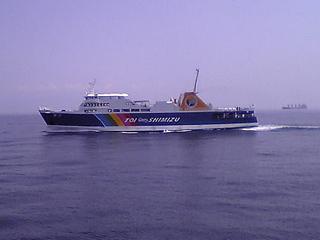Surugawan_ferry_fuji